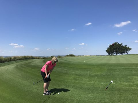Sarah has her short game tested on the Seaside course